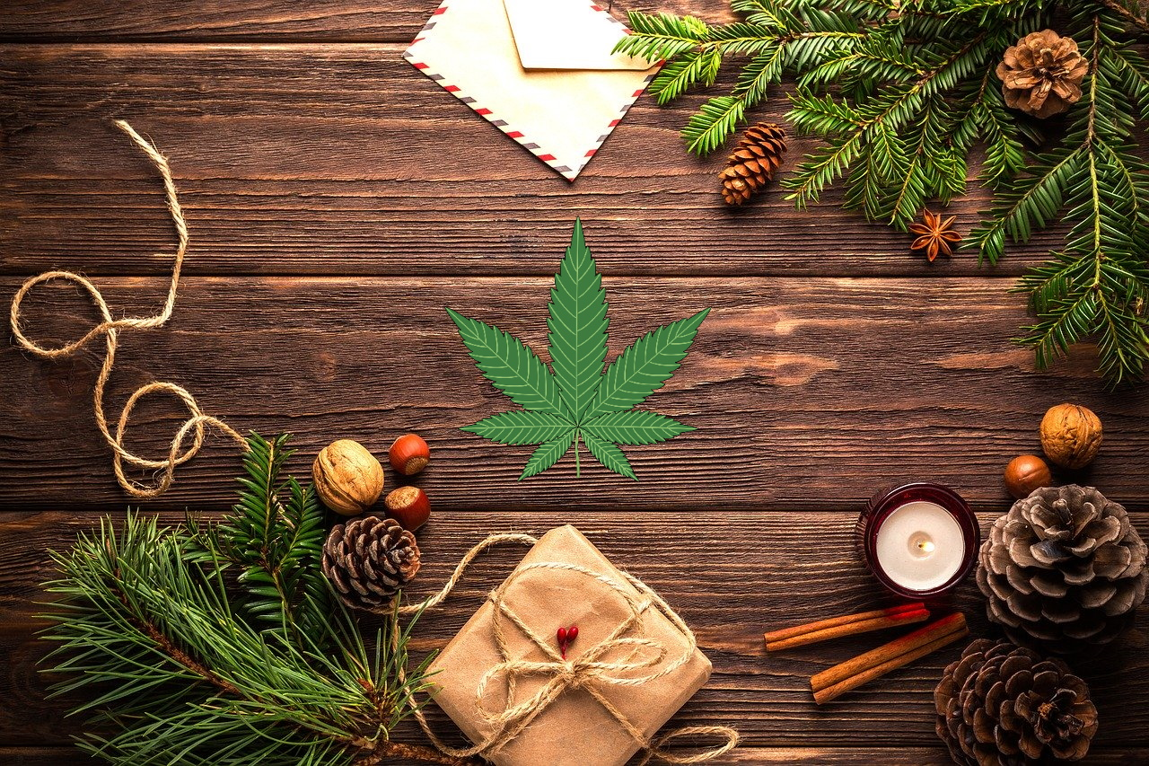 10 Top Picks for Christmas Cannabis Presents